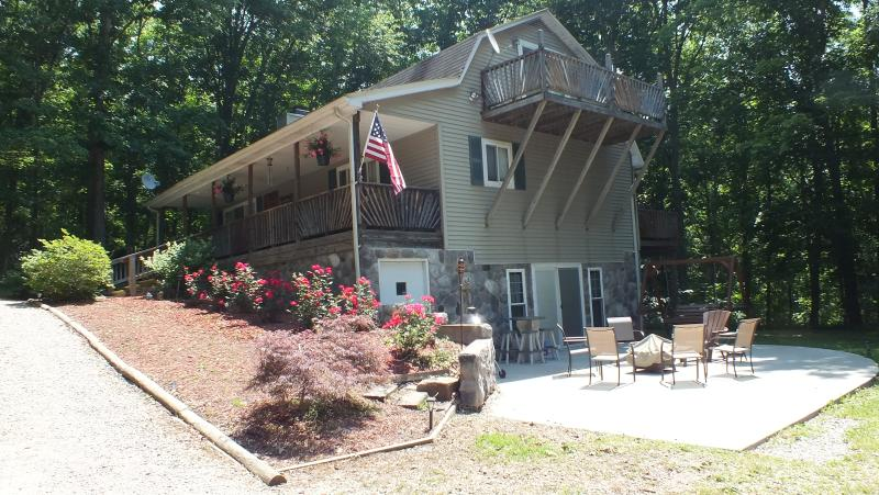 Your Own Private Paradise! - SECLUDED 3-LEVEL HOME--TRUE TRANQUILITY!! - Rarden - rentals