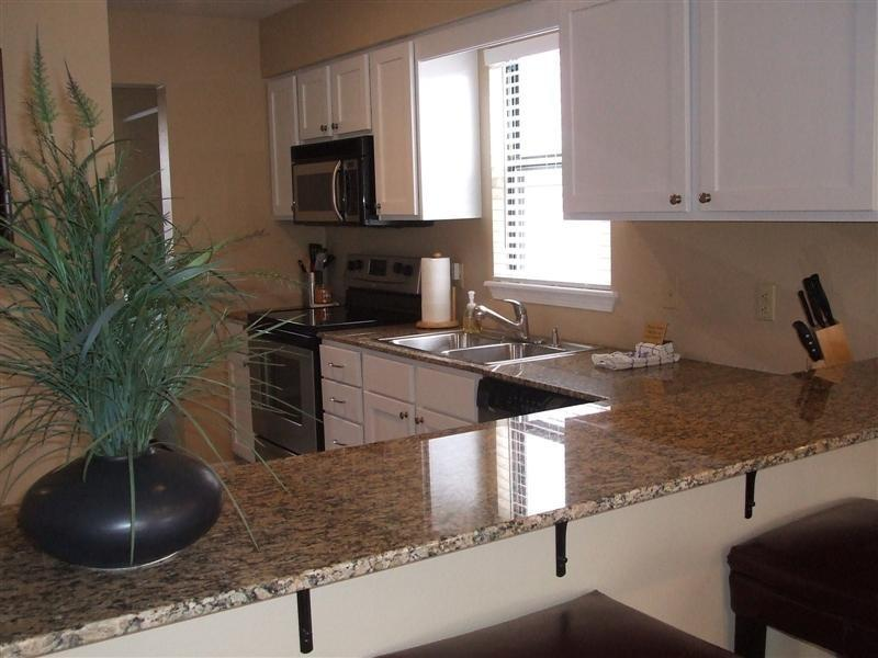 Very Clean Condo - Newly Remodeled 2 bedroom AMENTIES Pool - Branson - rentals