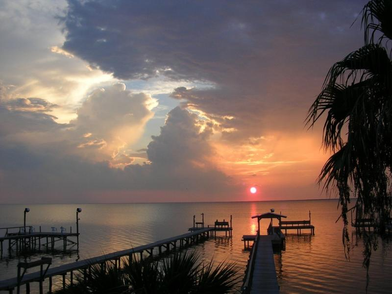 Beautiful sunsets from the patio - Redfish Retreat - Rockport - rentals