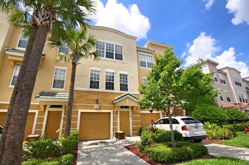 Front 1 - Orlando Home, Disney,Universal,SeaWorld,ConvCtr - Orlando - rentals