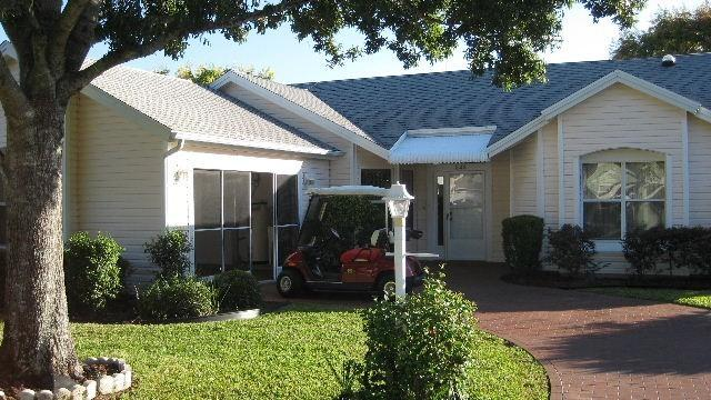 View from street - Luxury Designer Home With Golf Cart Included - Lady Lake - rentals