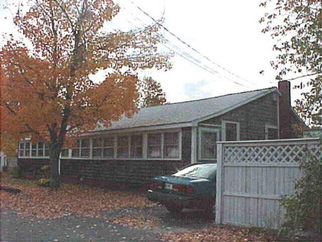 Outside Front - McGRATH-Quiet side street. Beach nearby - Saco - rentals