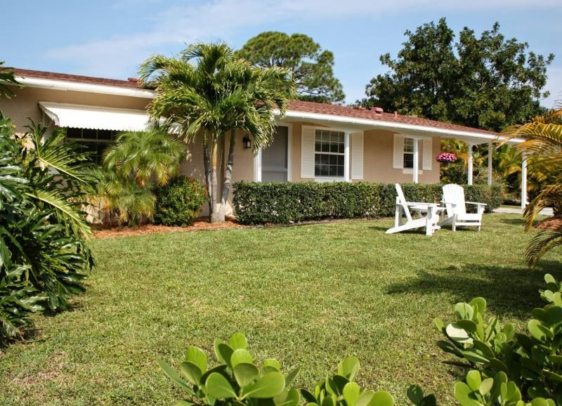 Venice Island pool home with private beach access to the Gulf of Mexico - Island Pool Home, Walk to Private Beach! - Venice - rentals