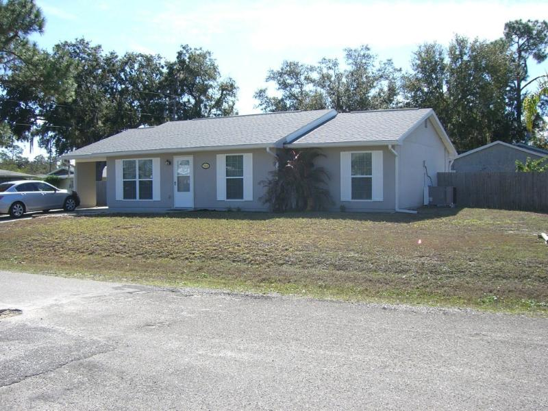 Cozy Three Bedroom Home With Heated Pool - Image 1 - Port Charlotte - rentals
