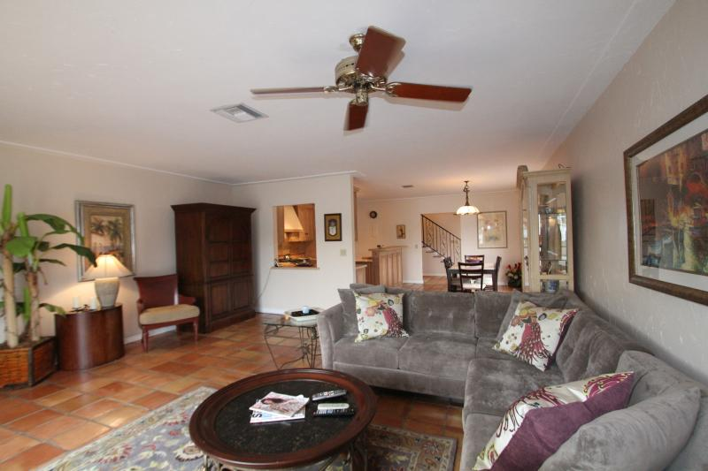 Beautiful Townhouse on Intracoastal Close to Beach - Image 1 - Pompano Beach - rentals