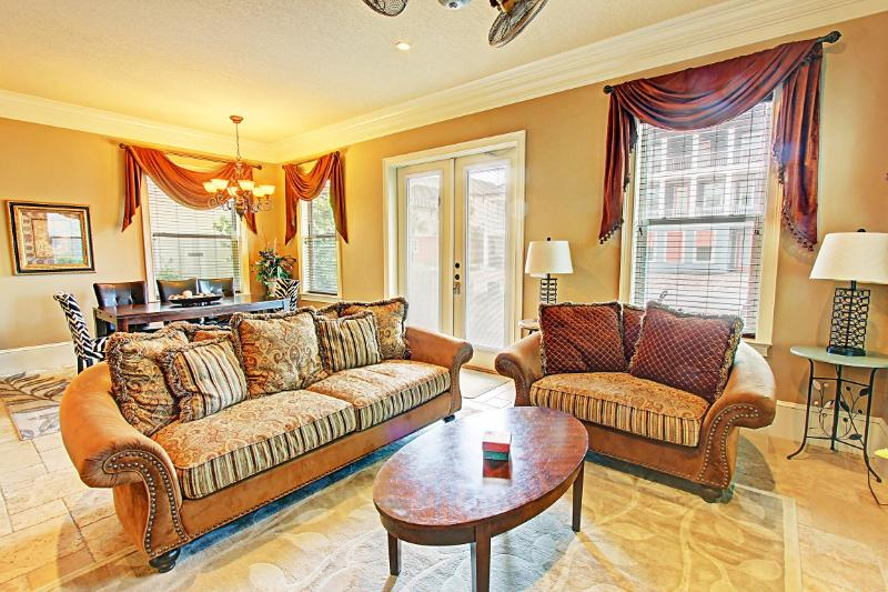 Open and airy living room, with double doors to patio - 5 Star Reviews! Luxury home, walk to beach!!! - Destin - rentals