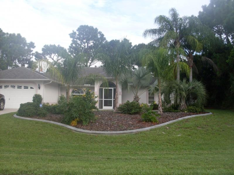 3 BEDROOM HOME WITH HEATED POOL - Image 1 - Englewood - rentals