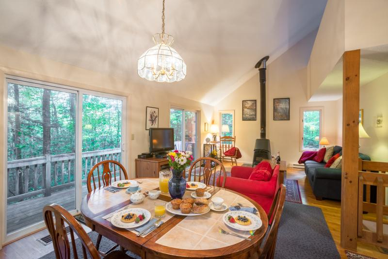 Room for the whole family - Resort Home with Hot Tub Pools Fireplace - Campton - rentals