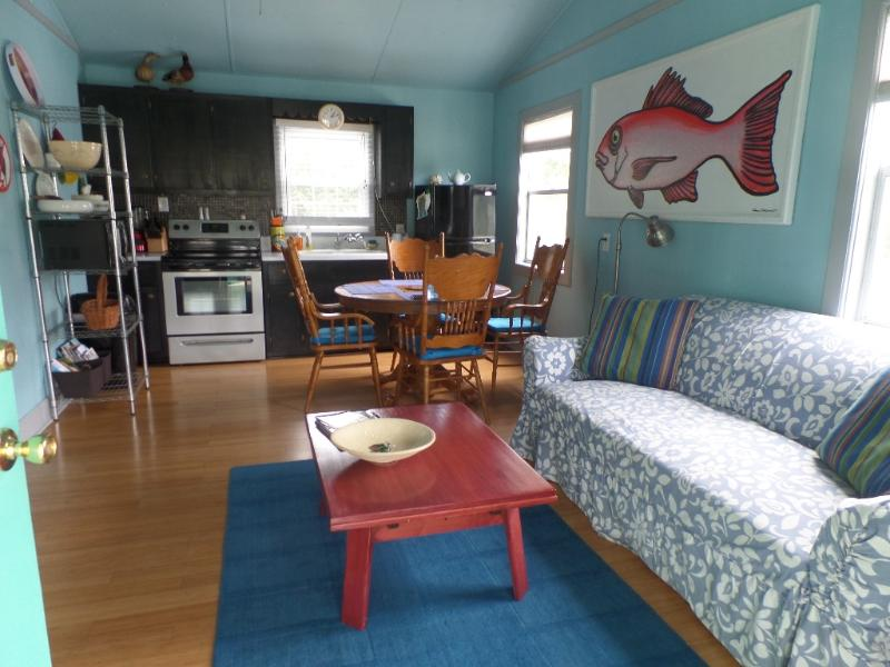 OLD TIME BEACH HOUSE-2 BLKS TO OCEAN -PET FRIENDLY - Image 1 - Carolina Beach - rentals