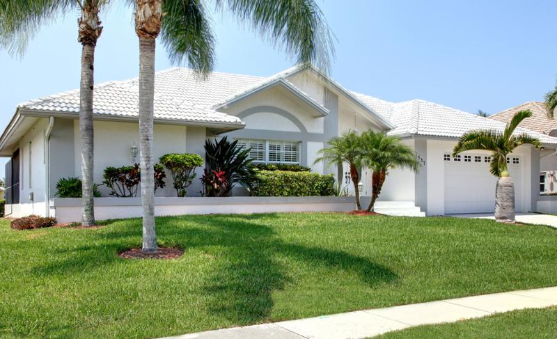 front of home - Beautiful 3 bedrm waterfront home on Marco Island - Marco Island - rentals