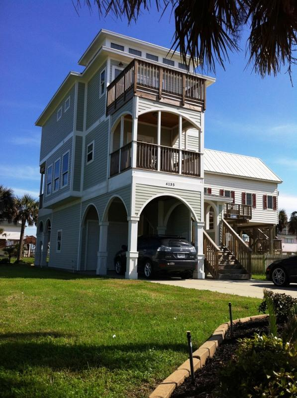 Front view; covered porch up & dn. play yard - 4-Level Galveston Beach House - 5 night minimum - Galveston - rentals