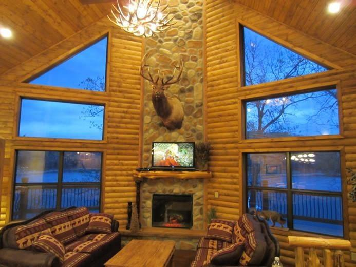 Luxury Lakefront Log Chalet~POOL~SLIP~50ft to Lake - Image 1 - Lampe - rentals