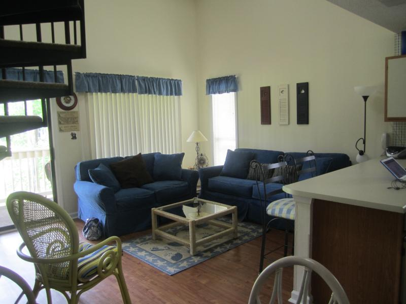 Open concept with cathedral ceilings - Affordable Myrtle Beach Vacation Rental with a Terrace - Myrtle Beach - rentals