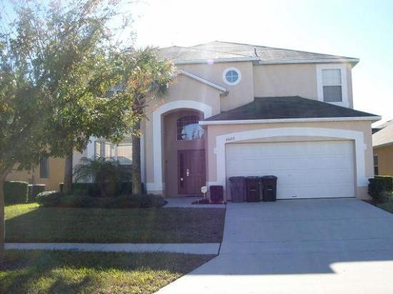 Gorgeous Resort Pool Home only 3 Miles from Disney - Image 1 - Four Corners - rentals