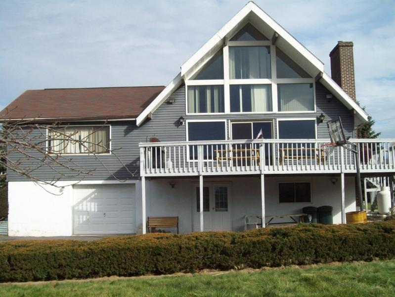 Beautiful LakeView Chalet w/Gameroom/Wifi - Image 1 - Jim Thorpe - rentals