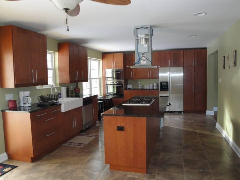 Professional Kitchen - ENJOY THE FALL SEASON IN THE WOODS WITH PRIVACY - Jim Thorpe - rentals