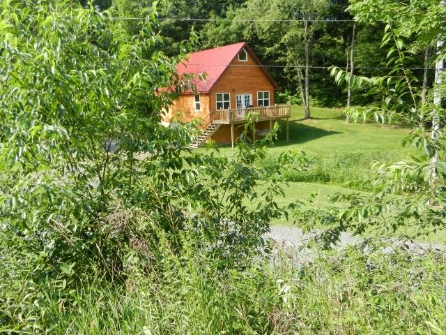 Summertime at the cabin at  Hideaway Hollow - Hideaway Hollow - Choose the Cabin or Farmhouse ! - Imler - rentals