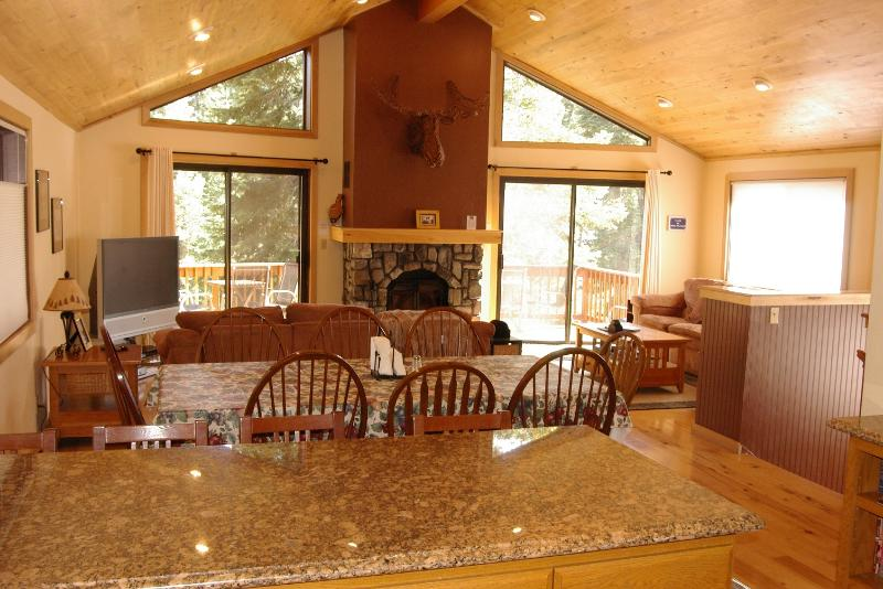 Beautiful Lake Tahoe Home - Boca Del Kujo, 5 Bdrm Luxury Home in Kings Beach - Tahoe Vista - rentals
