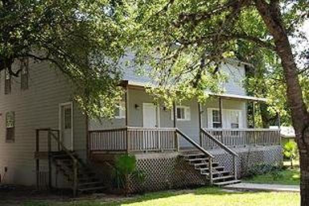 Country Guadalupe River Waterfront Home with Pool - Image 1 - New Braunfels - rentals