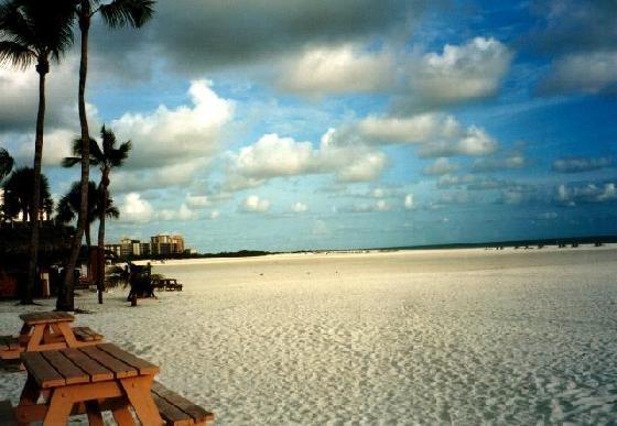 "White sandy beach - LUXURIOUS  FORT MYERS BEACH TOWN HOME ""5 MIN T - Fort Myers - rentals"