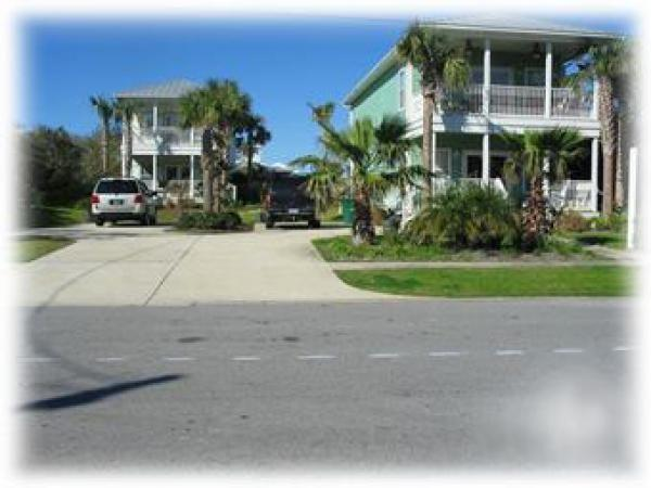 Double Dippin' - Sleeps 24 / 6 Bed - 6 Bath / Pool / Walk to Beach - Destin - rentals