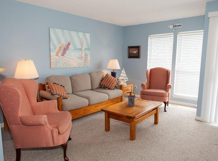 Living Room - Clean, Bright Studio. Nearest to Beach. - Destin - rentals