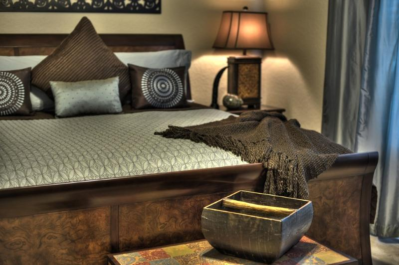 Master Bedroom with TV/DVD/IPOD Alarm Clock - African Paradise-Vista Cay-Lake/Pool/Disney/Univer - Orlando - rentals
