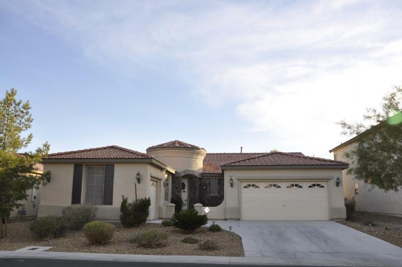 Las Vegas VILLA 8 - cross streets, Pebble, Gilespie & Las Vegas Blvd., 89123 - VILLA 8 - 5mi to SoStrip -3bd with BonusRoom 3ba - Las Vegas - rentals