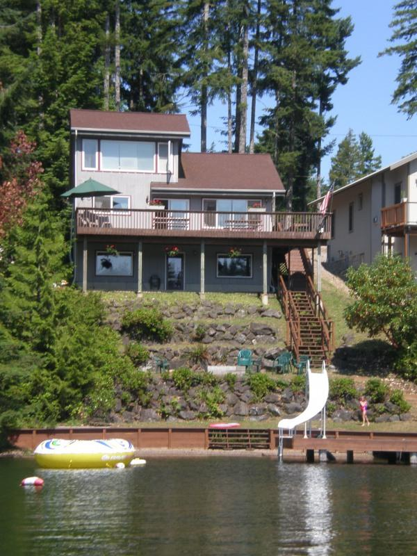Exterior dock view up to house. - Beautiful Family Friendly Lakehouse - Shelton - rentals