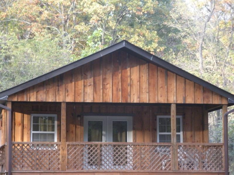 A perfect one-bedroom Riverfront Cottage - Beautiful  one-bedroom river Cottage - Luray - rentals
