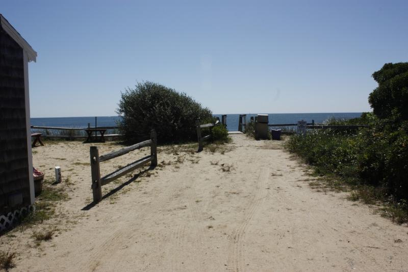 50 Steps to the Beach! - 50 Steps to the Beach-Leave your snacks in fridge - Dennis Port - rentals
