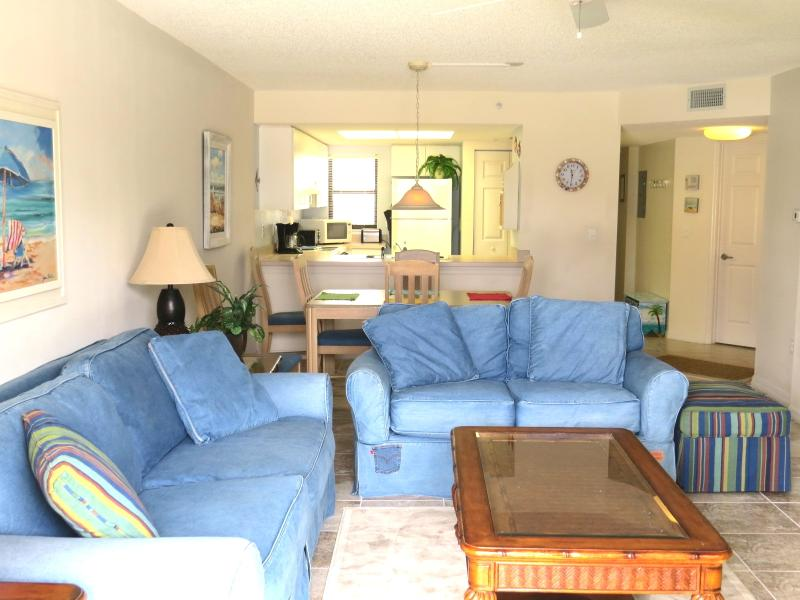 Living Room - Walk to the beach - WiFi - Pet friendly - Saint Augustine - rentals