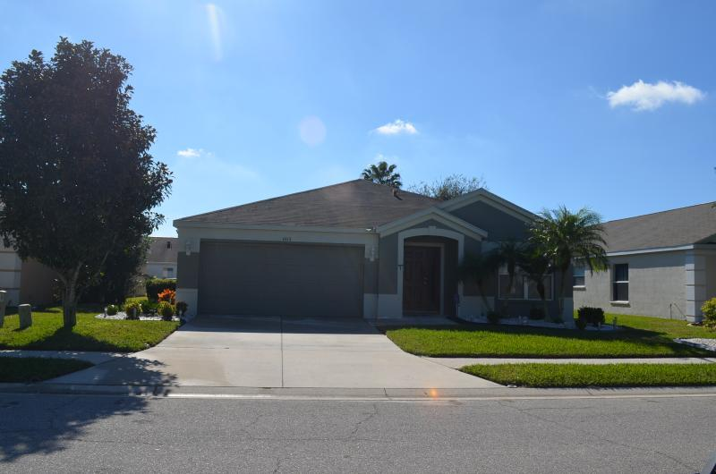 Front of Property - SEE RENTAL RATE SECTION FOR CURRENT SPECIALS - Bradenton - rentals