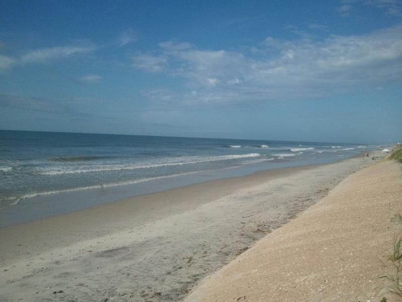 BEAUTIFUL NORTH TOPSAIL BEACH - DOPHINS PLAY--Beautiful Ocean Front Condo - North Topsail Beach - rentals