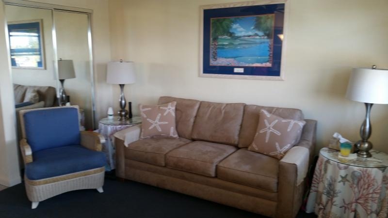Living Room - M23 ~ Affordable Condo Near Sombrero Beach - Marathon - rentals