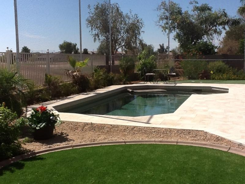 ARTIFICIAL Grass & 3 hole GREEN & POOL VIEW TO GOLF COURSE - GOLF COURSE, HEATED POOL,  PUTTING GREEN IN YARD - Gilbert - rentals
