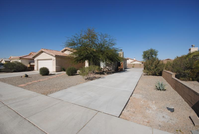 Front - Booking Now, Please Email - Thanks - Yuma - rentals