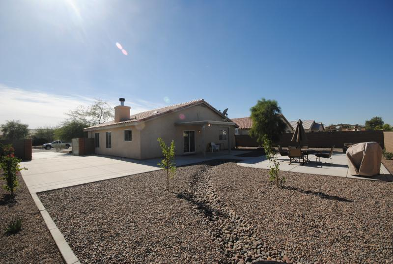 Backyard BBQ area and lounge - Single Family House Book Now, Please Contact - Foothill Area of Yuma - Thanks - Yuma - rentals