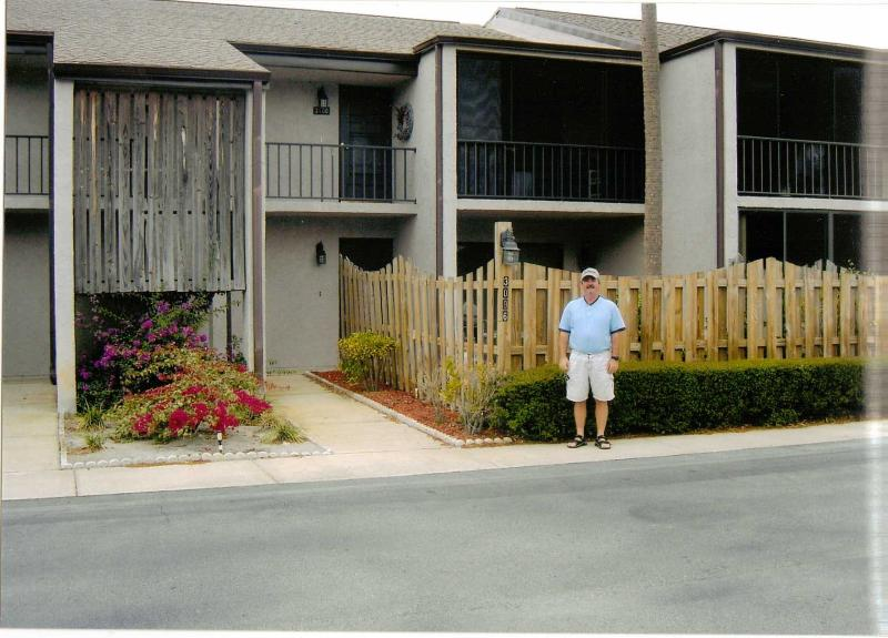 2 bedroom condo located beside Royal Oak G..C. 6th - Image 1 - Titusville - rentals
