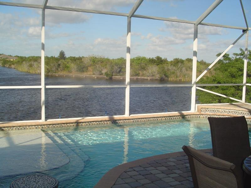 Direct Access-Sailboat Pool Home - Image 1 - Port Charlotte - rentals