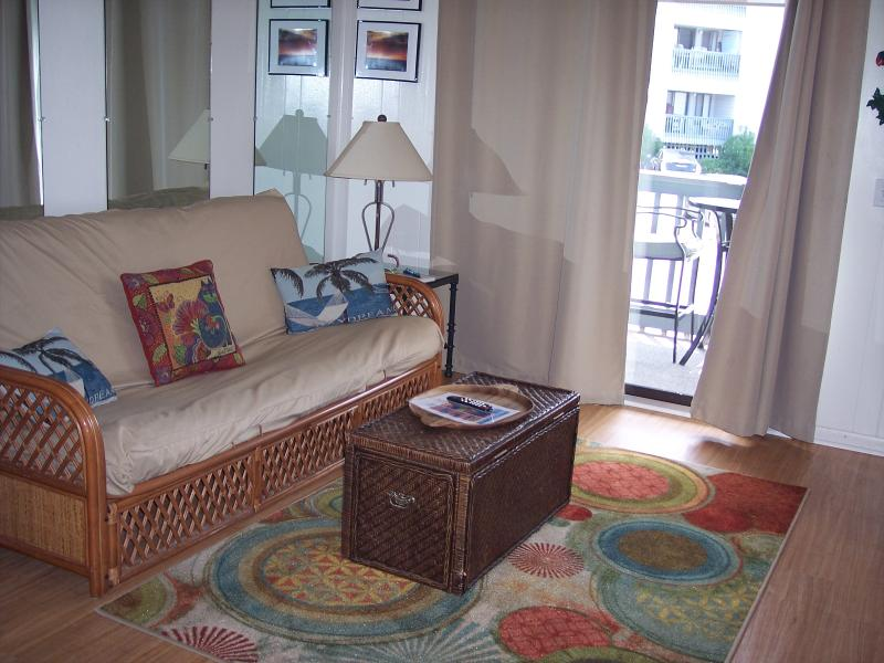 WiFi in condo; close to pool; complex is located directly on Tybee's north beach - Pool/Ocean view, King bed, WiFi - Tybee Island - rentals