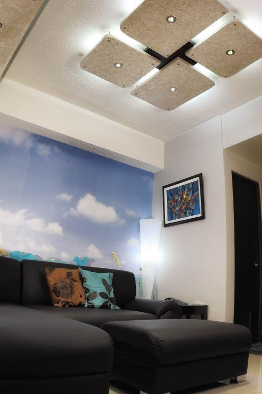 Condo Living Room - Family Condo Fully Furnished - Quezon City - rentals