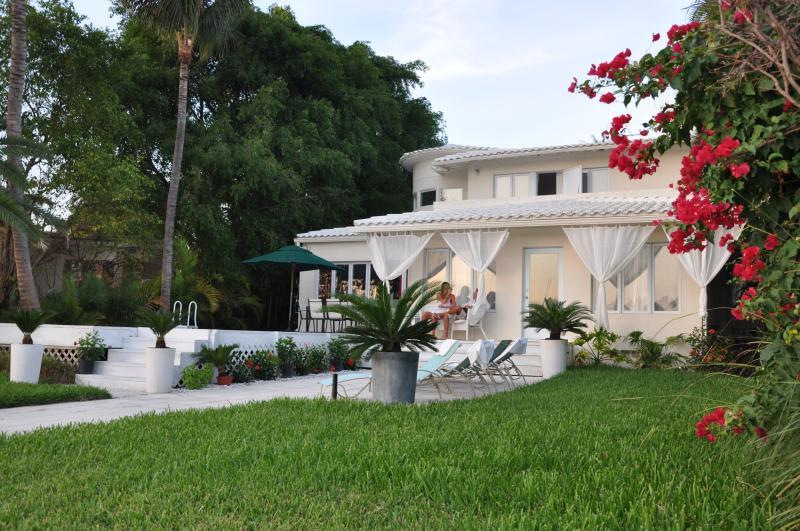 Art Deco' Waterfront Villa in South Beach - Image 1 - Miami Beach - rentals