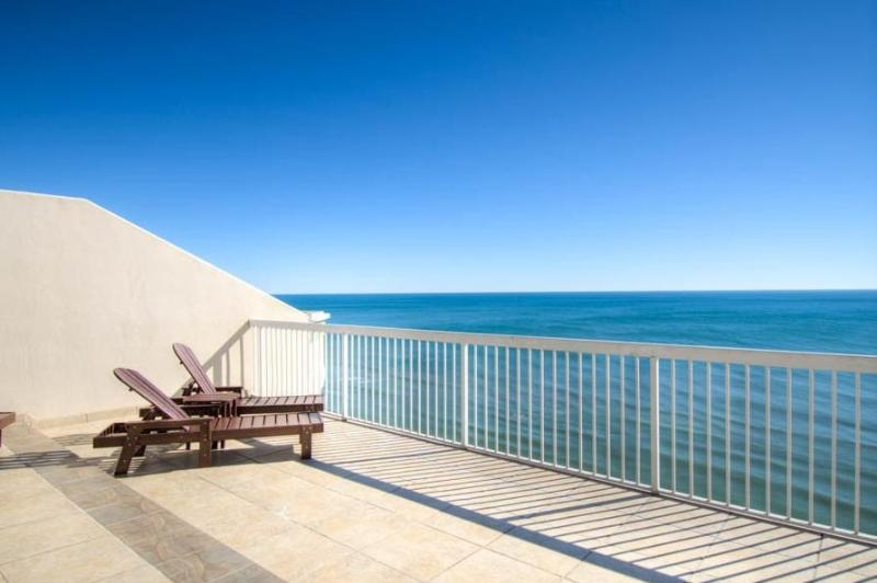 Wonderful balcony, private and with an outdoor Jacuzzi and seating area - You Deserve the Best, This is it. - Destin - rentals