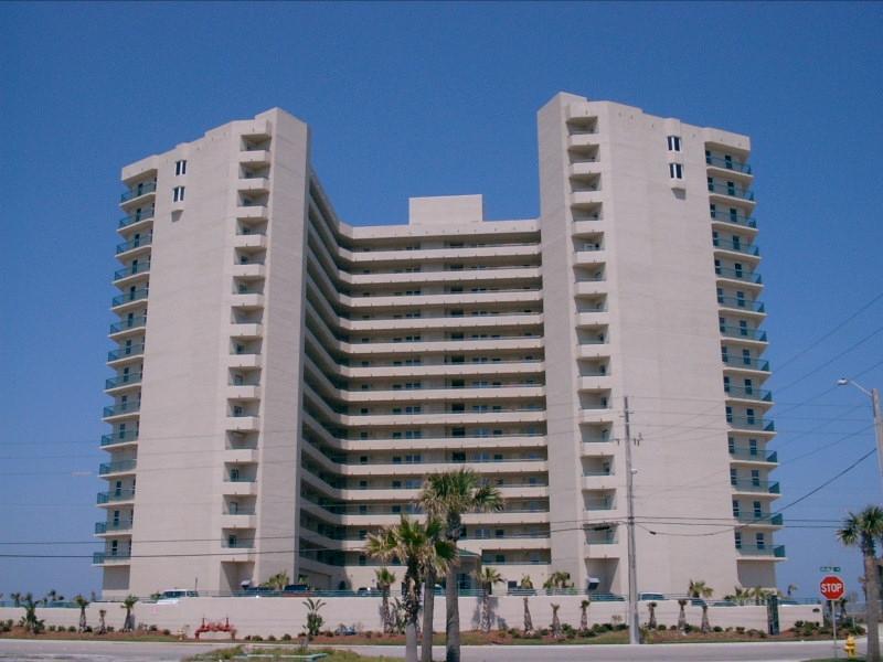 Building facing west - Towers Grande Oceanfront Luxury Condo - Daytona Beach Shores - rentals