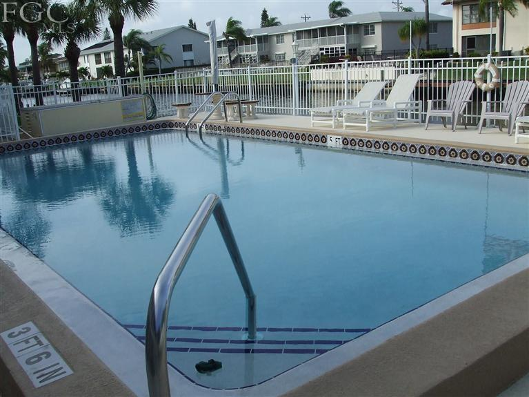 Gorgeous Waterfront Condo overlook canal and  swimming pool, Wow the views! - Waterfront 2/2, First Floor, Heated Pool, Location - Cape Coral - rentals
