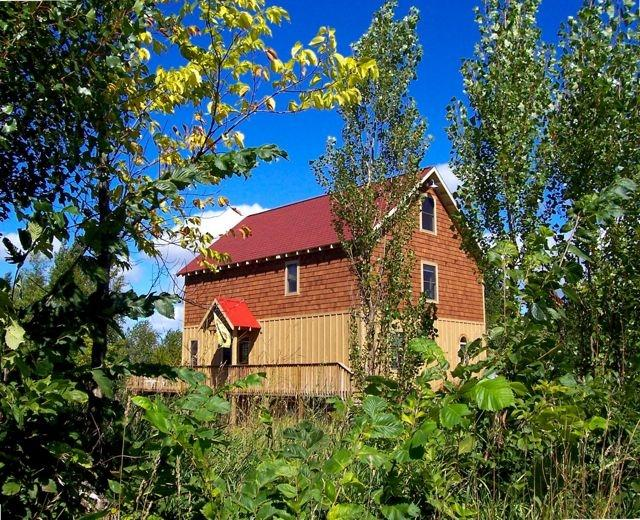 The Barn Cottage - over 2 acres of privacy. - BARN COTTAGE-PontoonBoat-OPEN ALL YEAR-Kayaks - Benzonia - rentals