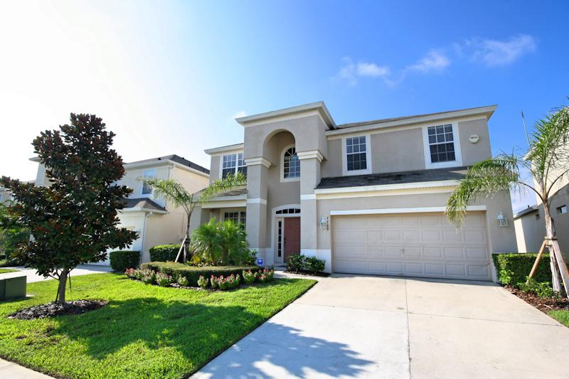 South Pool @ Windsor Hills - so close to Disney! - Image 1 - Kissimmee - rentals