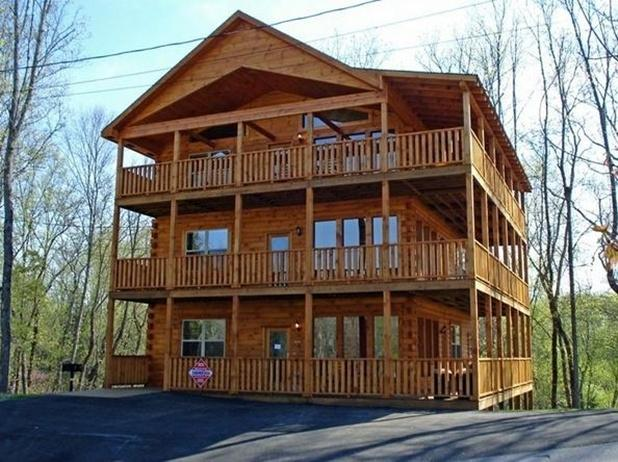 Beautiful 5,300 sq ft of Relaxation and Fun! - Image 1 - Sevierville - rentals