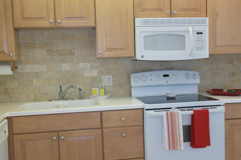 Fully equipped kitchen - 2 Bedroom ground floor Villa in Glades Golf club - Naples - rentals